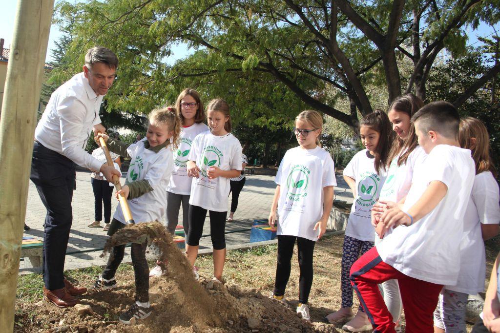 Razmišljam EKOlogično – solinski osnovnoškolci obilježili Međunarodni dan borbe protiv klimatskih promjena