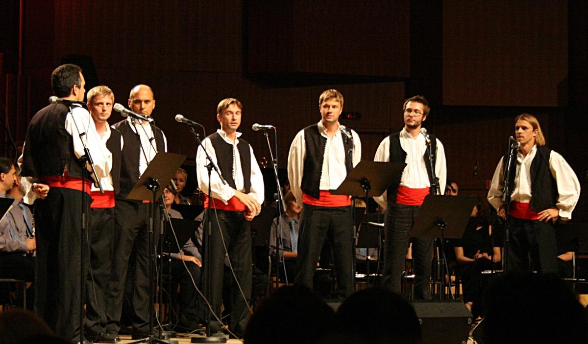 Jubilarno 35. gostovanje klapa pobjednica Omiša u Lisinskom održano u čast Olivera