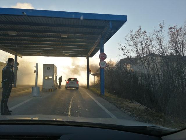 VIDEO: Požar na graničnom prijelazu Vinjani Gornji