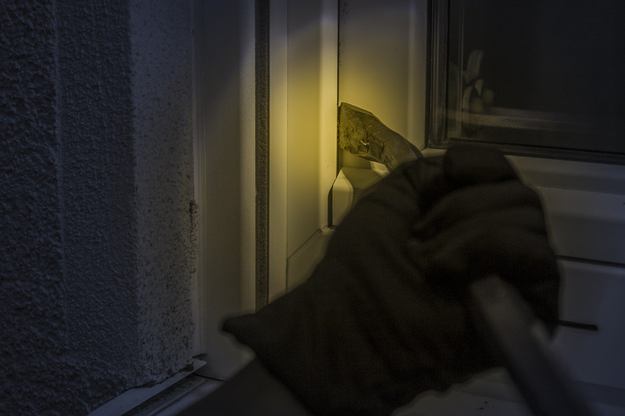 KRADLJIVAC IZ SPLITA PRIVEDEN PRAVDI – Provalio u ugostiteljski objekt i ukrao novac